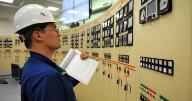 Энергетики страдают от девальвации валют в Закавказье