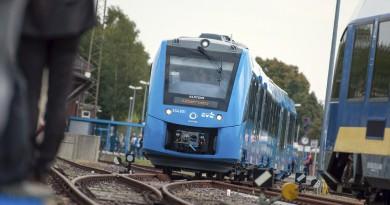В Германии ввели в эксплуатацию поезда, работающие на водороде