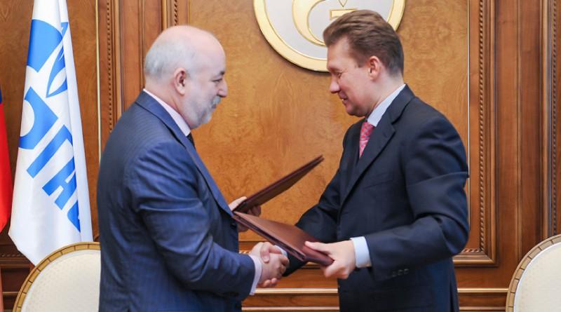 Виктор Вексельберг и Алексей Миллер (справа) 2011 год (Фото: «РИА Новости»)