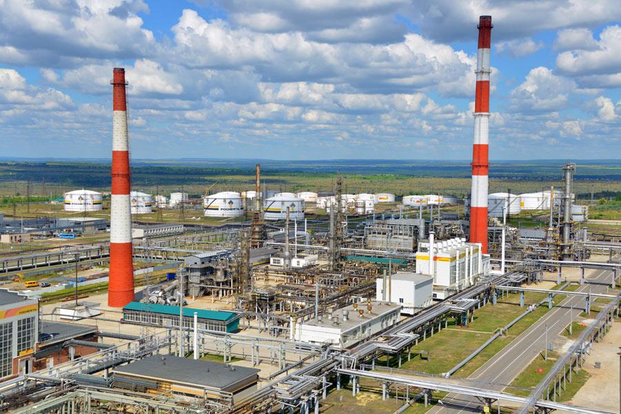 Сызранский НПЗ увеличил объем переработки нефти на 16%