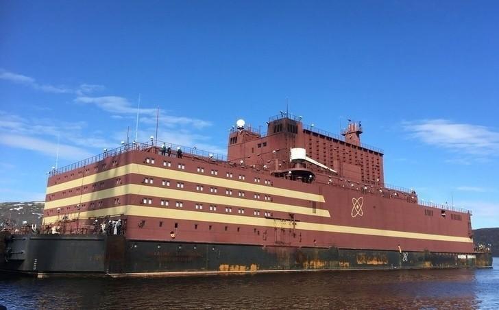 На плавучем атомном энергоблоке «Академик Ломоносов» завершена загрузка ядерного топлива