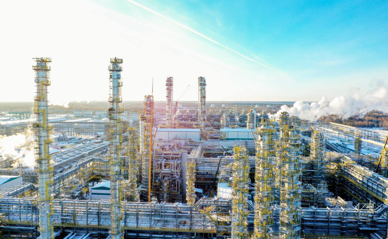 СИБУР с запуском «ЗапСибНефтехим» увеличит производство полиэтиленов в 6.5 раз, до 1.8 млрд тонн