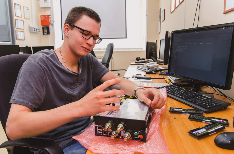 Инженер VS Программист. Или куда уходят инженеры