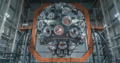 В РФЯЦ-ВНИИЭФ завершили сборку камеры взаимодействия самой мощной лазерной установки в мире
