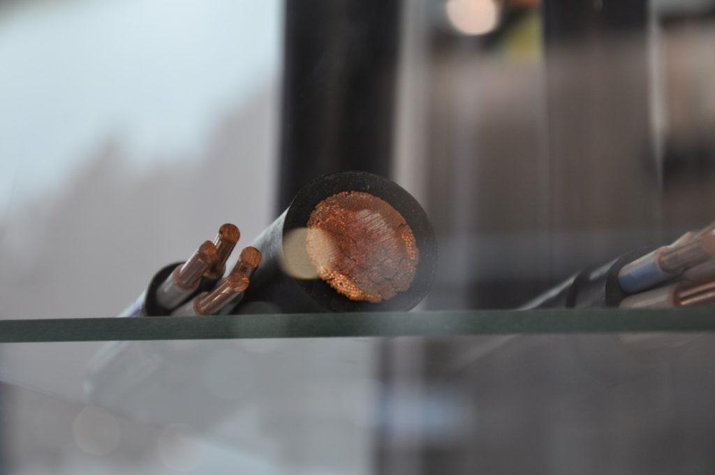 Кабель в разрезе на стенде выставки ЭЛЕКТРО-2019, НЕФТЕГАЗ-2019 (ELECTRO-2019 NEFTEGAZ-2019) ENERGOSMI.RU