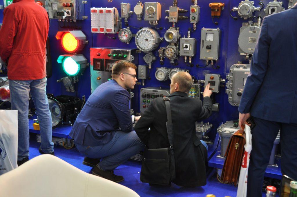 Сотрудники компании ВЭЛАН вам все расскажут и покажут. ЭЛЕКТРО-2019, НЕФТЕГАЗ-2019 (ELECTRO-2019 NEFTEGAZ-2019) ENERGOSMI.RU