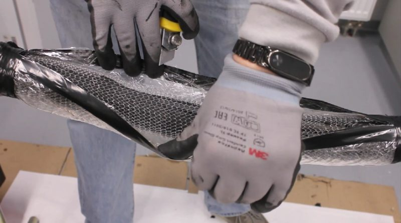 Компания 3М представила инновационную технологию ремонта гибкого кабеля 3M GTS-F (General Toolless Splice – Flexible) - универсальную муфту, монтируемую без специального инструмента, огня и нагрева. Технология разработана для гибкого кабеля нового типа и не имеет аналогов на рынке