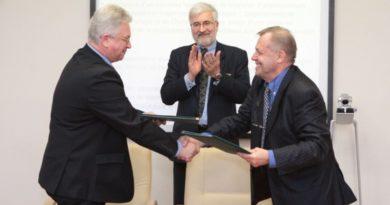 Schneider Electric и СВФУ подписали стратегическое соглашение о сотрудничестве