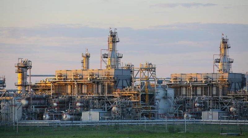 «4-й компрессор обратной закачки сырого газа» на Карачаганакском месторождении