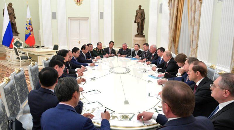 """Александр Новак: """"Взаимодействие России и Вьетнама в сфере энергетики вышло на беспрецедентно высокий уровень"""""""
