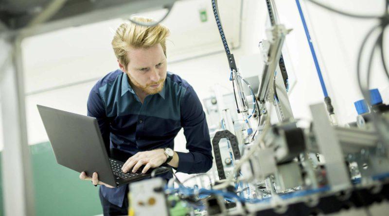 Инженер-конструктор электротехнического оборудования