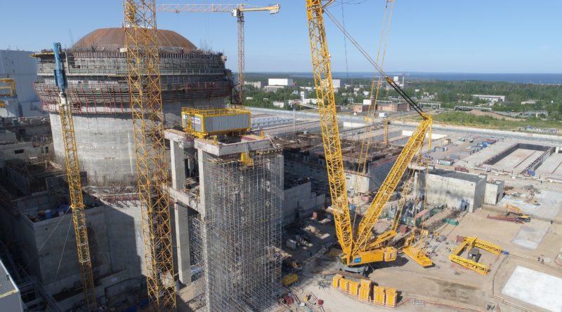 Ленинградская АЭС-2: на втором энергоблоке ВВЭР-1200 установлен кран для транспортировки ядерного топлива
