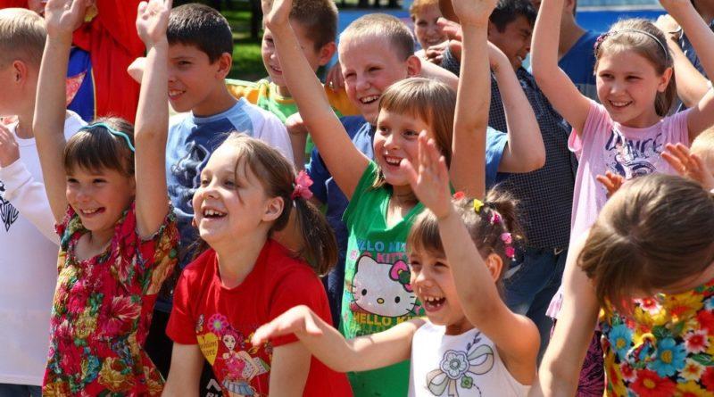 Коллектив Иркутского РДУ поздравил воспитанников Тулунского детского дома с Днем защиты детей