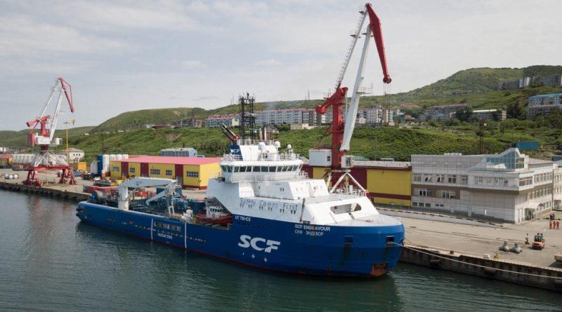 Впервые ледокол-снабженец под флагом России будет выполнять установку фильтров для предотвращения выноса песка в газодобывающие скважины