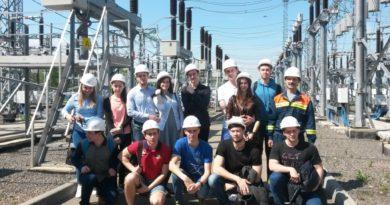 Первокурсники радиоуниверситета посетили подстанцию и оперативно-технологическую службу Рязаньэнерго