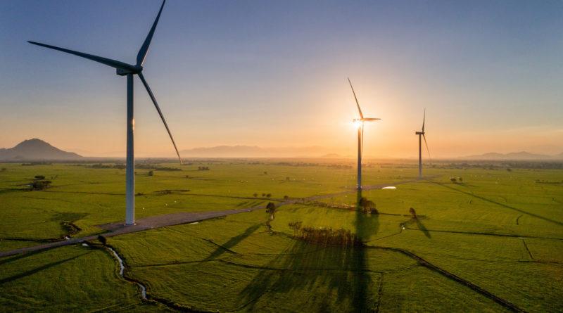 Amazon инвестирует в проекты по возобновляемой энергии в Ирландии и США