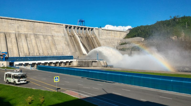Новак: строительство противопаводковых ГЭС на реке Амур обойдется в 400 млрд рублей