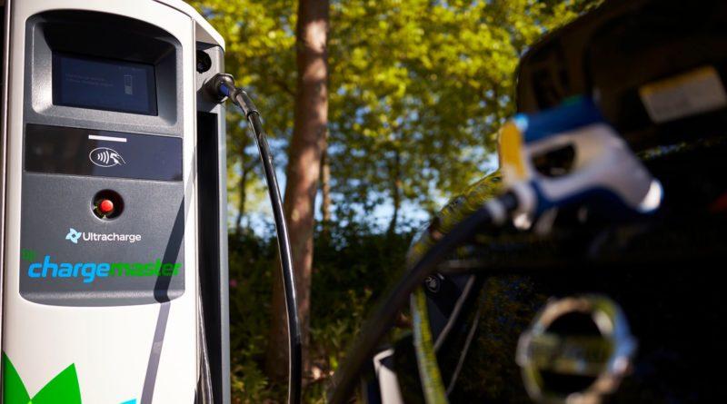 BP Chargemaster демонстрирует сверхбыстрые зарядные устройства для электромобилей, продолжая набирать обороты в британской сети