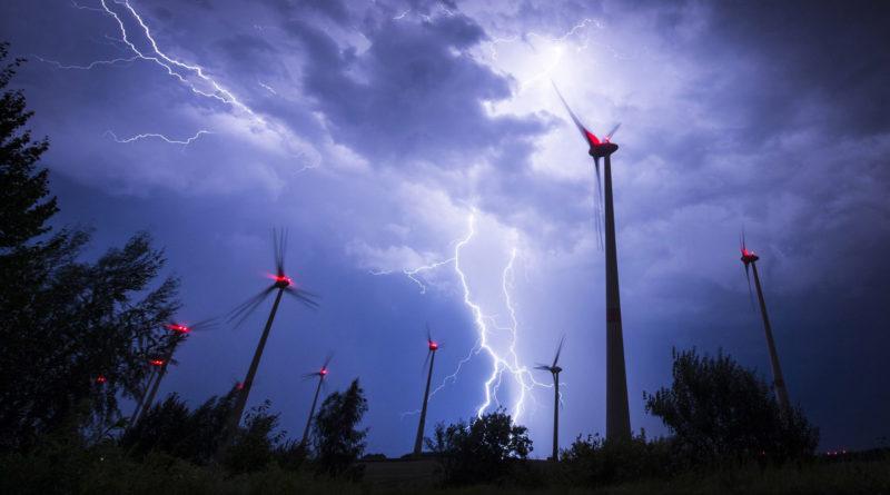 Предотвращение рисков от грозы в ветряных электростанциях
