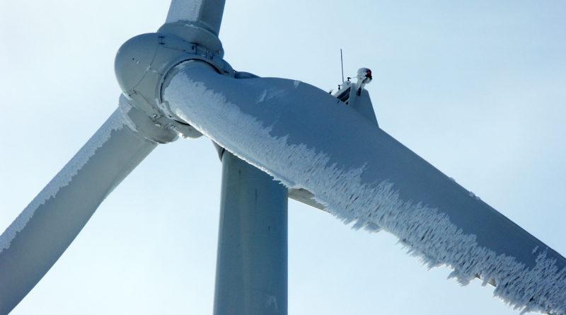 Инженеры изучают обледенение лопастей ветряных турбин, чтобы улучшить выработку электроэнергии зимой