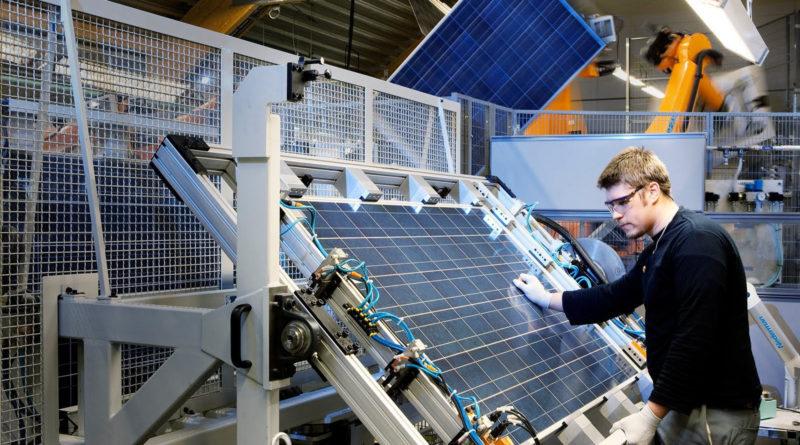 Как большая нефть прошлого помогла запустить солнечную промышленность сегодня
