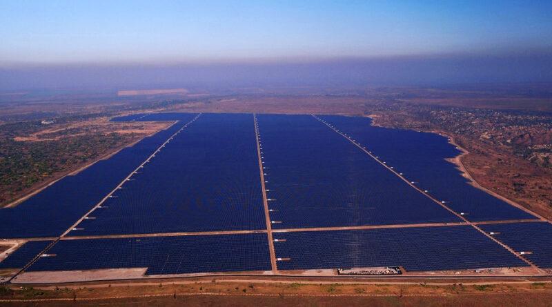 На Украине запущена вторая по мощности в Европе солнечная электростанция