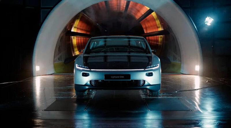 Солнечный электромобиль Lightyear One установил рекорд