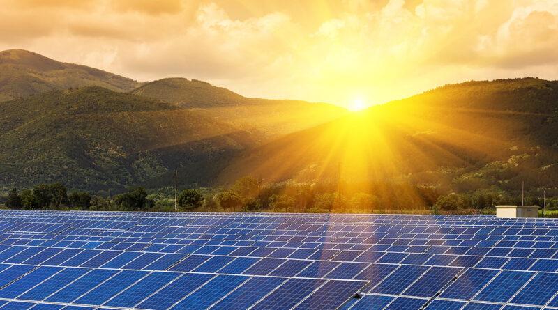 Кто является крупнейшим игроком на мировом рынке солнечной энергии?