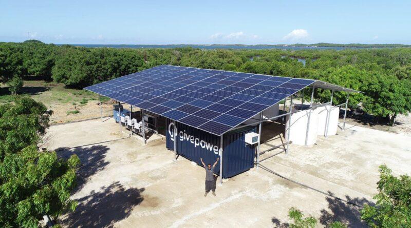 В Кении открылась первая солнечная электростанция, преобразующая соленую воду в пресную