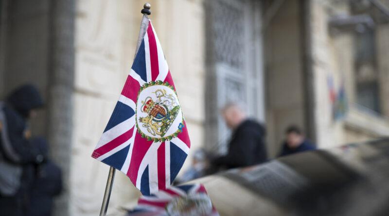 Британские дипломаты по всему миру пересядут на электромобили
