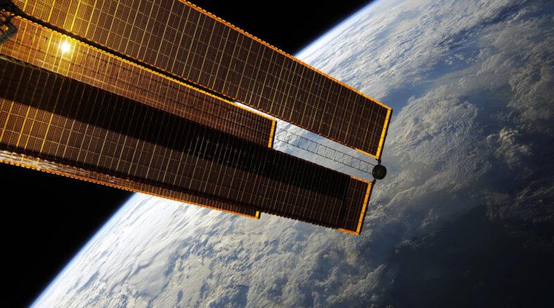 Высокоэффективные космические солнечные батареи дешевеют